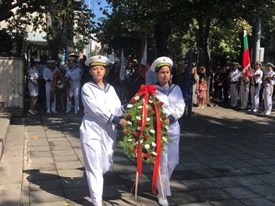 Бяха положени венци и цветя в знак на признателност към всички, дали живота си в Сръбско-българската война.