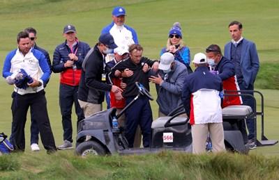 Британският актьор Том Фелтън, придобил попурлярност с участието си в поредицата за Хари Потър, припадна по време на голф мач в Уисконсин Снимки: Ройтерс