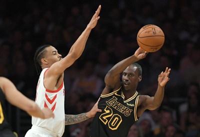 Андре Инграм (вдясно) направи впечатляващ мач срещу отбора с най-добри показатели в НБА.