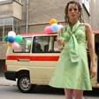 Силвия Петкова отишла на бала си със стара линейка, Луиза Григорова - без клаксони и вдигане на шум (Снимки)