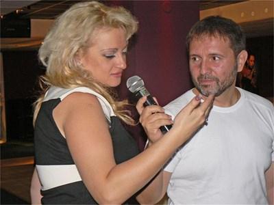 Ясновидката Ивелина Христова и режисьорът Стилиян Иванов представят новия си филм. СНИМКА: АВТОРЪТ