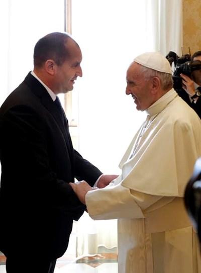 """Делегацията ни да бъде само държавна и светска било изискване на протокола на папата, обяви президентът Радев пред """"24 часа"""". Снимка прессекретариат на президента"""