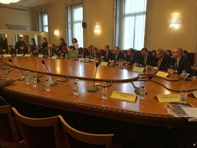 Бюджетната комисия обсъди въвеждане на таван на обезщетенията при загуба на близък. СНИМКА: Мария Милкова