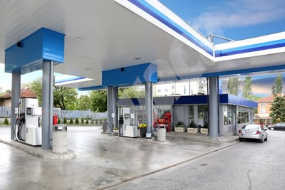 Бензиностанциите ще изписват от 1 октомври цените, на които са купили горивата и на които ги продават. СНИМКА: 24 часа
