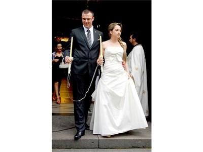 Сватбата на евродепутата Димитър Стоянов с приятелката му Мариела Пенева през юли бе последното събитие, на което Капка и Волен Сидерови демонстрираха нормални семейни отношения. СНИМКА: ХРИСТО РАХНЕВ