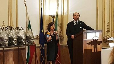 Дженаро Фамилиети (вдясно) Снимка: Фейсбук