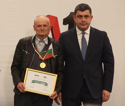 Владимир Житенски отличи Исеин Мадански.