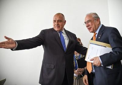Бойко Борисов и Анхел Гурия Снимки: Министерски съвет