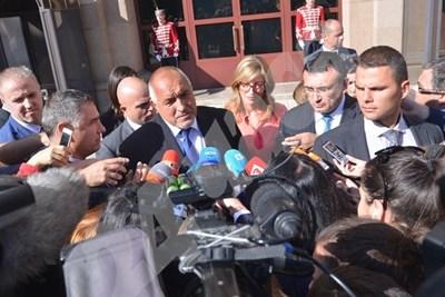 Бойко Борисов пред президентството СНИМКА: Йордан Симеонов