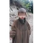 Горски работник открил малкия Мехмед (на снимката) и го наметнал с якето си.