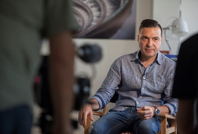 "Слави Ангелов, докато говори в документалния филм на ""Ал Джазира"""