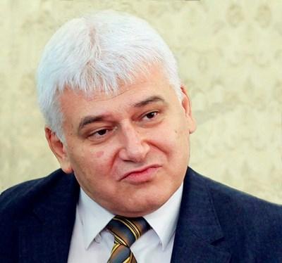 ПРОФ. ПЛАМЕН КИРОВ