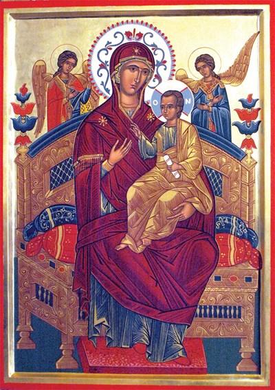 Св. Богородица Всецарица е изобразена с Младенеца на златен трон. СНИМКА: Атанас Кънев