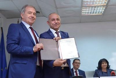 """Лъчезар Костов на връчването на лиценза за удължаване на срока на експлоатация на 6 блок на АЕЦ """"Козлодуй""""  СНИМКА: Йордан Симеонов"""