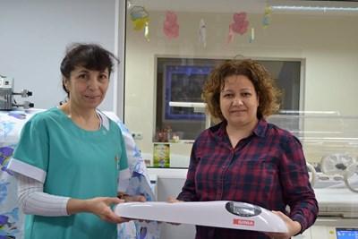 Д-р Кина Николова прие дарението за Неонатологията