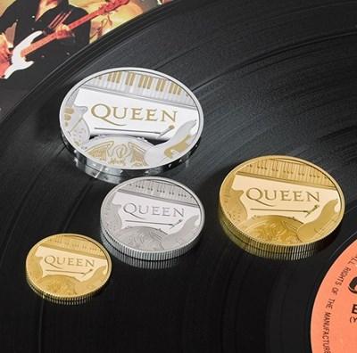 Увековечиха група Queen на монета