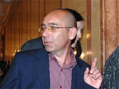 Здравният министър в деня, в който бе представен в парламента. СНИМКА: ДЕСИ КУЛЕЛИЕВА