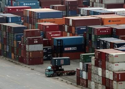 Обемът на китайския внос и износ за първите три тримесечия е нараснал с 22,7% на годишна база