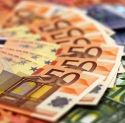Българите в чужбина изпращат 7 пъти по-малко пари