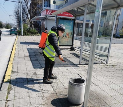Дезинфекцират по график спирките в Пловдив