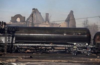 Оставиха за постоянно в ареста главния машинист на товарния влак, причинил взрива в Хитрино на 10 декември.