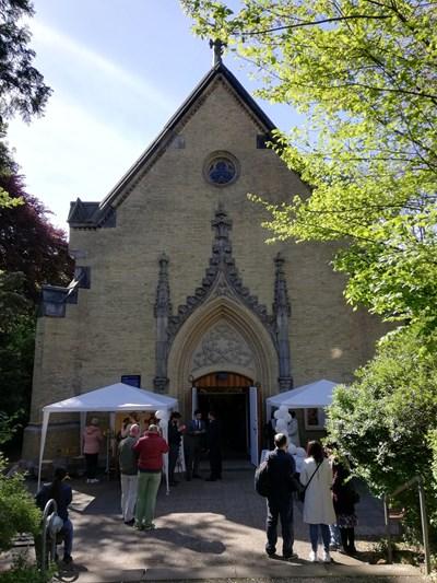 Българската общност, която в Хамбург и съседните градове е от над 30 хиляди души, вече има своя църква.  СНИМКИ: АВТОРЪТ