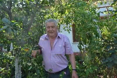Абтурахим Исмаил е решил да остане в къщата си в Широко поле и зимата.