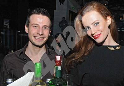 """Демир, синът на Ахмед Доган, до приятелката си Гергана Малкоданска на 18-ия рожден ден на агенция """"Визаж""""  СНИМКА: БУЛФОТО СНИМКА: 24 часа"""