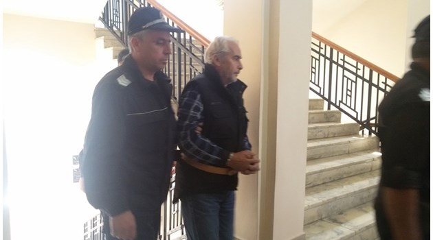 Съкратена процедура отърва от доживотен затвор четворния убиец от Каспичан