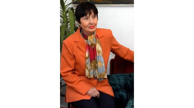 Лиляна Стефанова: Людмила Живкова много тежко понесе смъртта на майка си