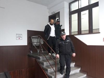 Ангел Ангелов бе доведен в пловдивския окръжен съд СНИМКА: Анелия Перчева