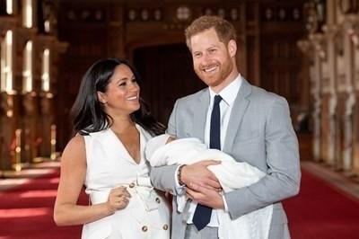 Меган Маркъл, принц Хари и синът им Арчи  СНИМКА: Ройтерс