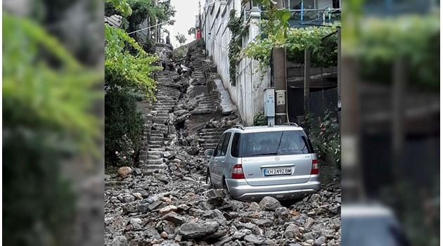 Виж шокиращите последствия от поройните дъждове в Дупница. Градът е неузнаваем