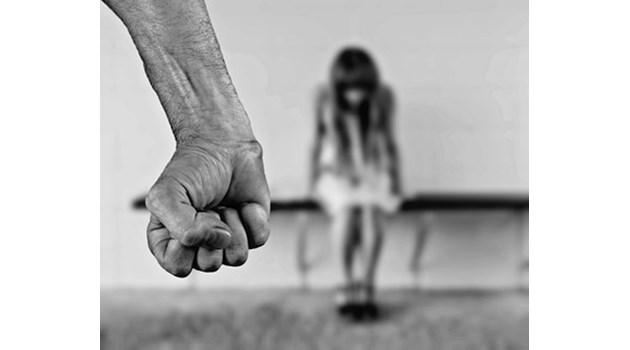 Арестуваха 14-годишен у нас за груповото изнасилване на малолетна в Германия. Още издирват 8-ото момче