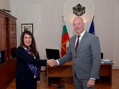 Министърът на транспорта Росен Желязков посреща новия посланик на САЩ в България Херо Мустафа