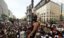 Протести срещу расизма разтърсват САЩ и света
