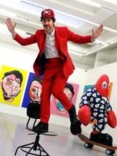"""Филип Колбер в галерия """"Структура"""", където е показана изложбата му """"Лобстер Ленд"""""""