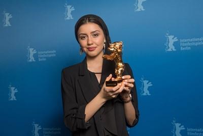 Дъщерята на спечелилия режисьор - Баран. Снимки: Ройтерс