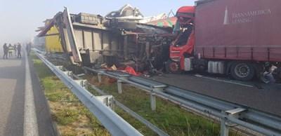 Катастрофа на пътя с участие на камиони. Снимката е архивна. СНИМКА: МВР