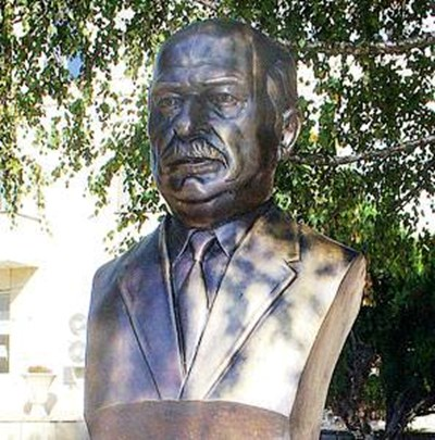 Паметник на Пенчо Кубадински СНИМКИ: Фейсбук/Zachary Karabashliev