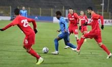 Насиру Мохамед си намилил заплатата на 15 000 евро