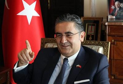 Д-р Хасан Улусой, посланик на Турция СНИМКА: Румяна Тонeва