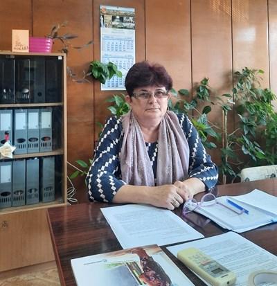 """Виолета Динкова, директор на общинския отдел """"Оразование"""" в Силистра"""