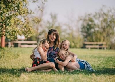 Родителите се опитват да контролират всичко, свързано с благополучието на децата си, но хипотетично надзорът особено след третото отслабва. СНИМКА: PIXABAY