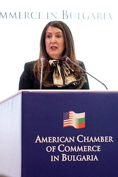 Посланикът на САЩ в България Херо Мустафа, Снимки: Десислава Кулелиева