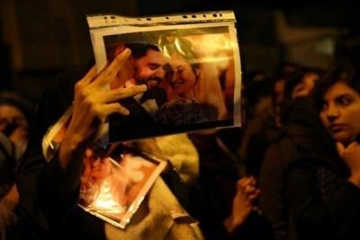 Да, иранците могат да протестират и срещу намесата на САЩ, и срещу своето правителство