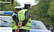 Двама нарушители на пътя опитаха да подкупят полицаи край Пазарджик