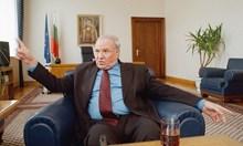 Тодор Кавалджиев - голямото изключение в родната политика