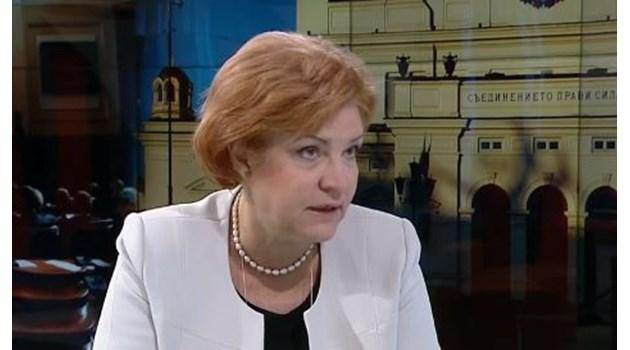Менда Стоянова: Трябва чрез данъка за колите българинът да живее много по-екологично