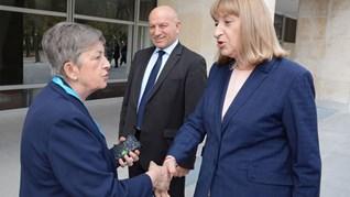 Освен оставка, Цецка Цачева подала и молба за годишен отпуск (Обновена)